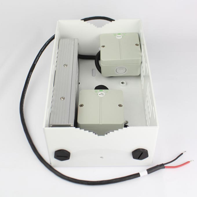 12V Outdoor Power Pack and Pole Mount Kit for Cooldome Camera Enclosures from Dotworkz (KT-CDR-2)